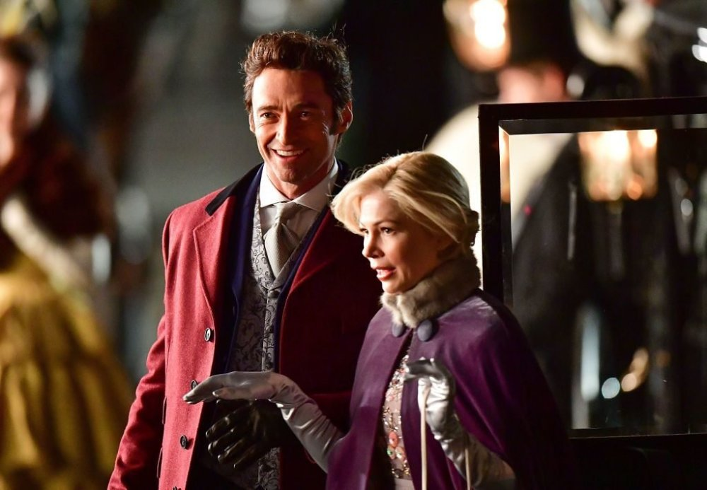 Hugh-Jackman-and-Michelle-Williams-in-THE-GREATEST-SHOWMAN-1024x710