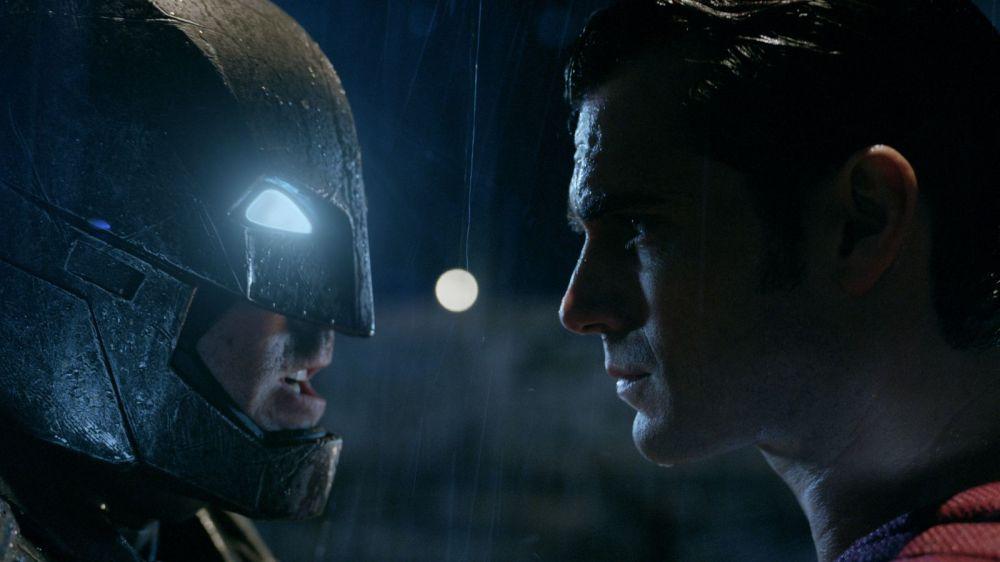 batman-superman-dawn-justice-affleck-cavill-face-off.jpg