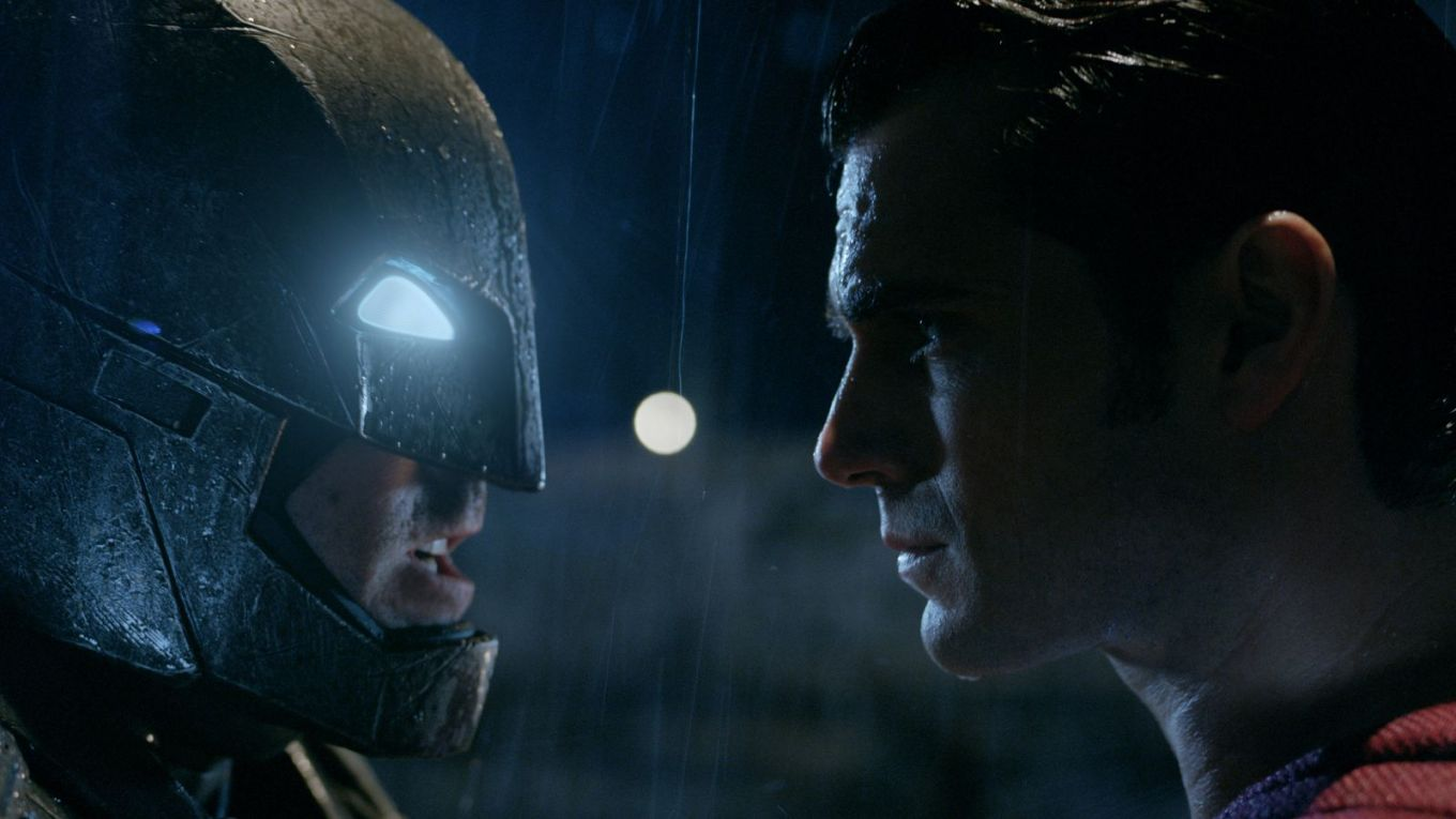 batman-superman-dawn-justice-affleck-cavill-face-off.jpg